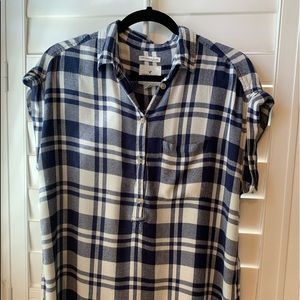 American Eagle Button-up Top💙
